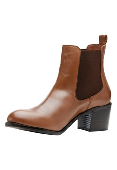 SOON Sarah chelsea boot Cognac Bubbleroom.se
