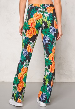 Svea Vega Bell Pants Multiflower Bubbleroom.se