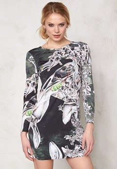 TIGER OF SWEDEN Olia Dress A01 Artwork Bubbleroom.se