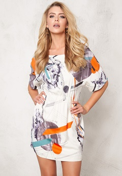 TIGER OF SWEDEN Osane Pri Dress A01 Artwork Bubbleroom.se