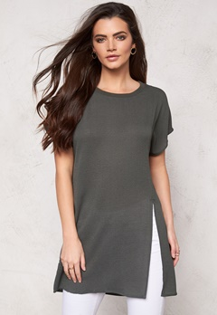 VERO MODA Donna long slit s/s top Beluga Bubbleroom.se