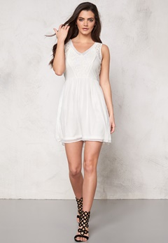 VERO MODA Freja s/l mini dress Snow White Bubbleroom.fi