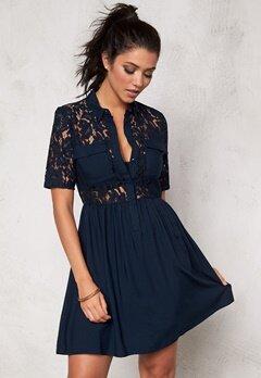 VERO MODA Nynne s/s lace dress Black Iris Bubbleroom.se