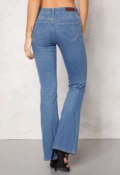 VERO MODA Sally Flare Jeans Lt Denim Bubbleroom.se