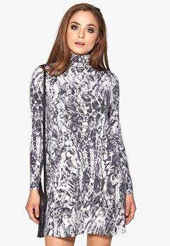 VILA Phyton L/S Dress Snow White Bubbleroom.se