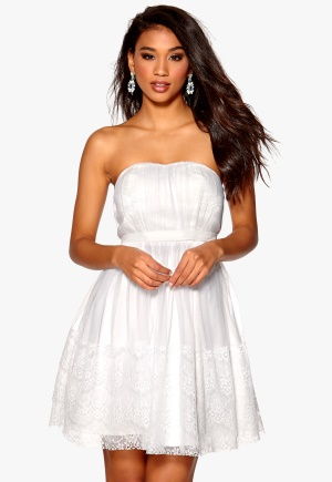 Model Behaviour Sanna Dress White <a href=