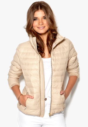 SELECTED FEMME Frida Short Down Jacket Shifting Sand Bubbleroom.se