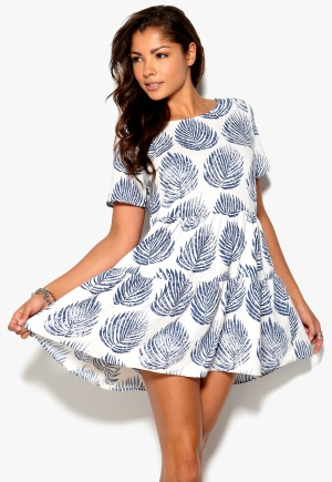 Mixed from Italy Cutout Dress White Blue Print Bubbleroom.se