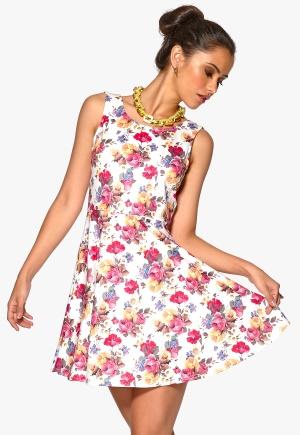 Sisters Point Geta-2 Dress Cream/Flower Bubbleroom.se