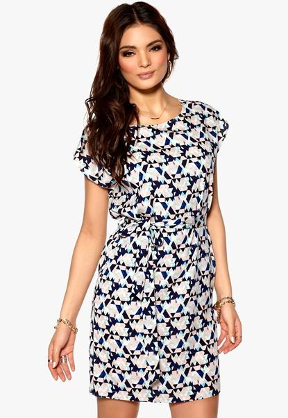 SOAKED IN LUXURY Telmos Dress 903 Pattern Bubbleroom.se