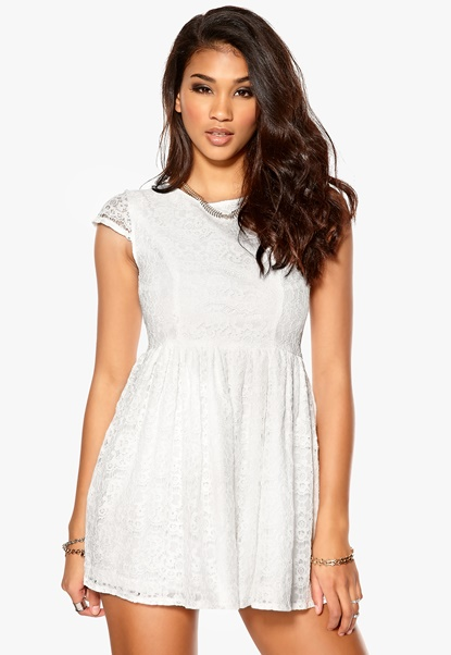 Model Behaviour Freja Dress White Bubbleroom.se