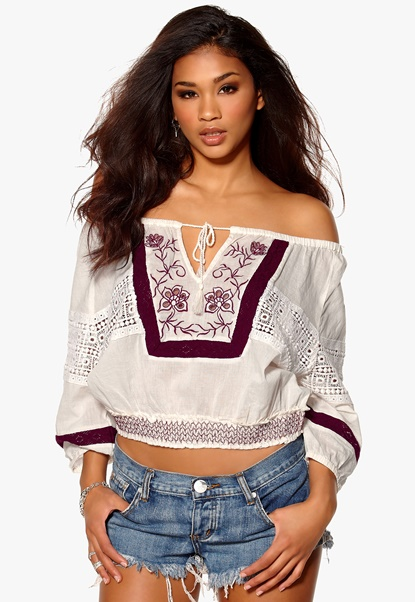 Make Way Gia Top Offwhite/Red Bubbleroom.se