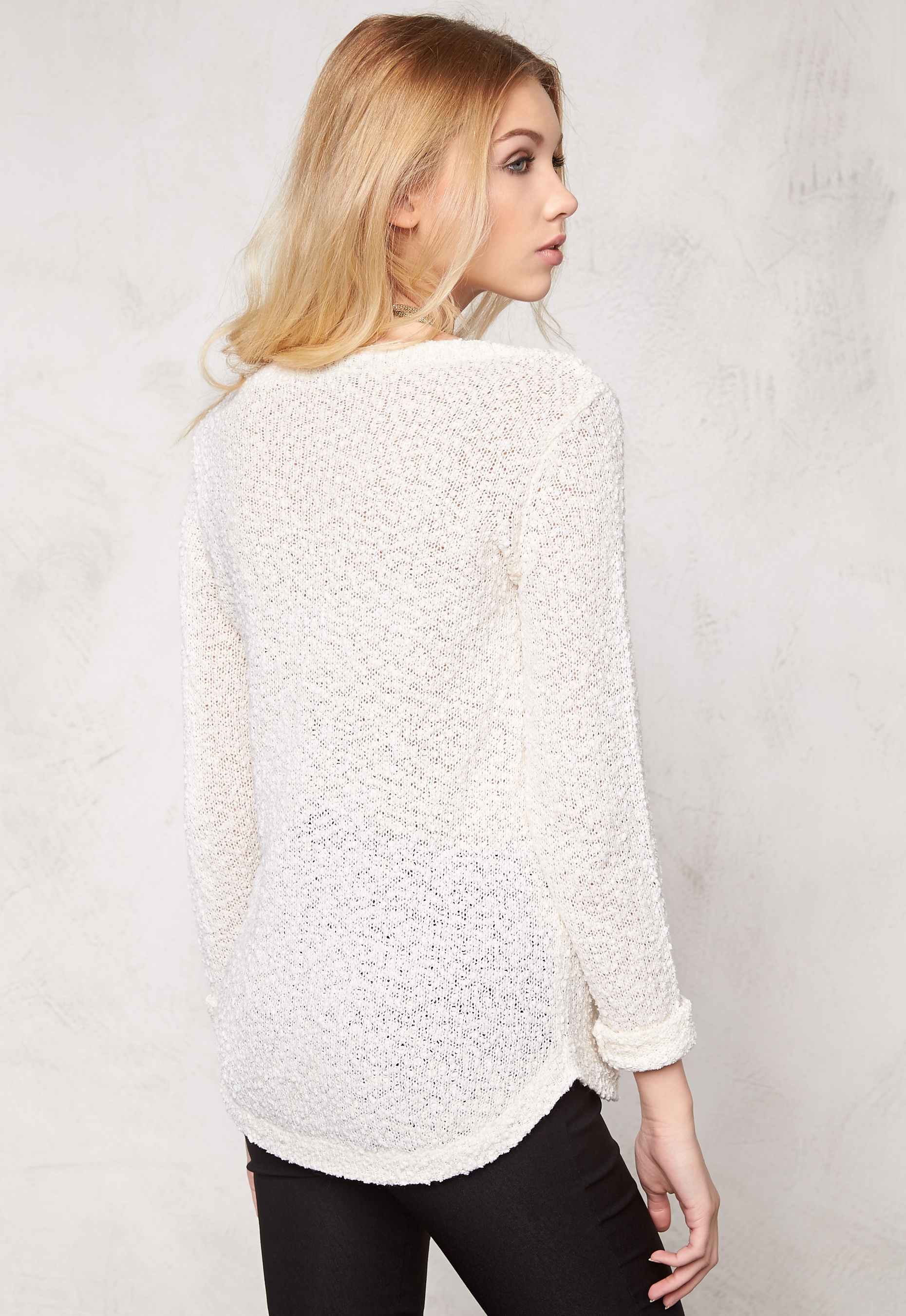 Vero Moda Knitting Yarns : Vero moda snow knit blouse white bubbleroom