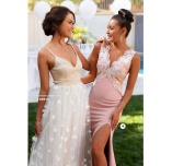 Eline flower gown och Isabella lace gown från Moments New York