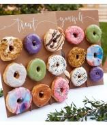 Bjud bröllopsgästerna på småkakor, donuts och cup cakes