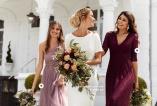 Brudklänning från Zetterberg Couture och Spetstärnklänning från Chiara Forthi