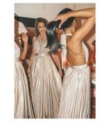 Snygga långklänningar med plisserad kjol från Goddiva