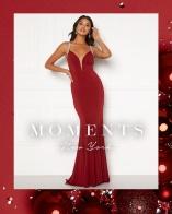 Shoppa klänningar från Moments New York