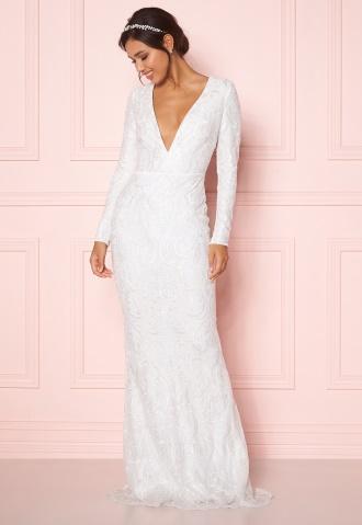 Shoppa långa brudklänningar på Bubbleroom