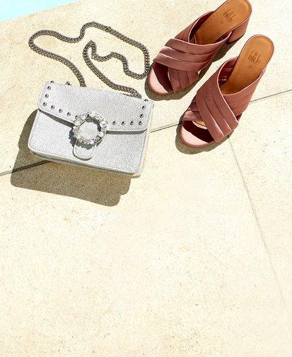Väskor och högklackade skor