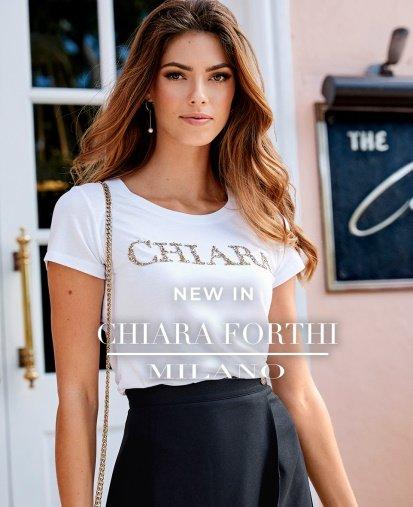 Toppar, blusar och klänningar från Chiara Forthi