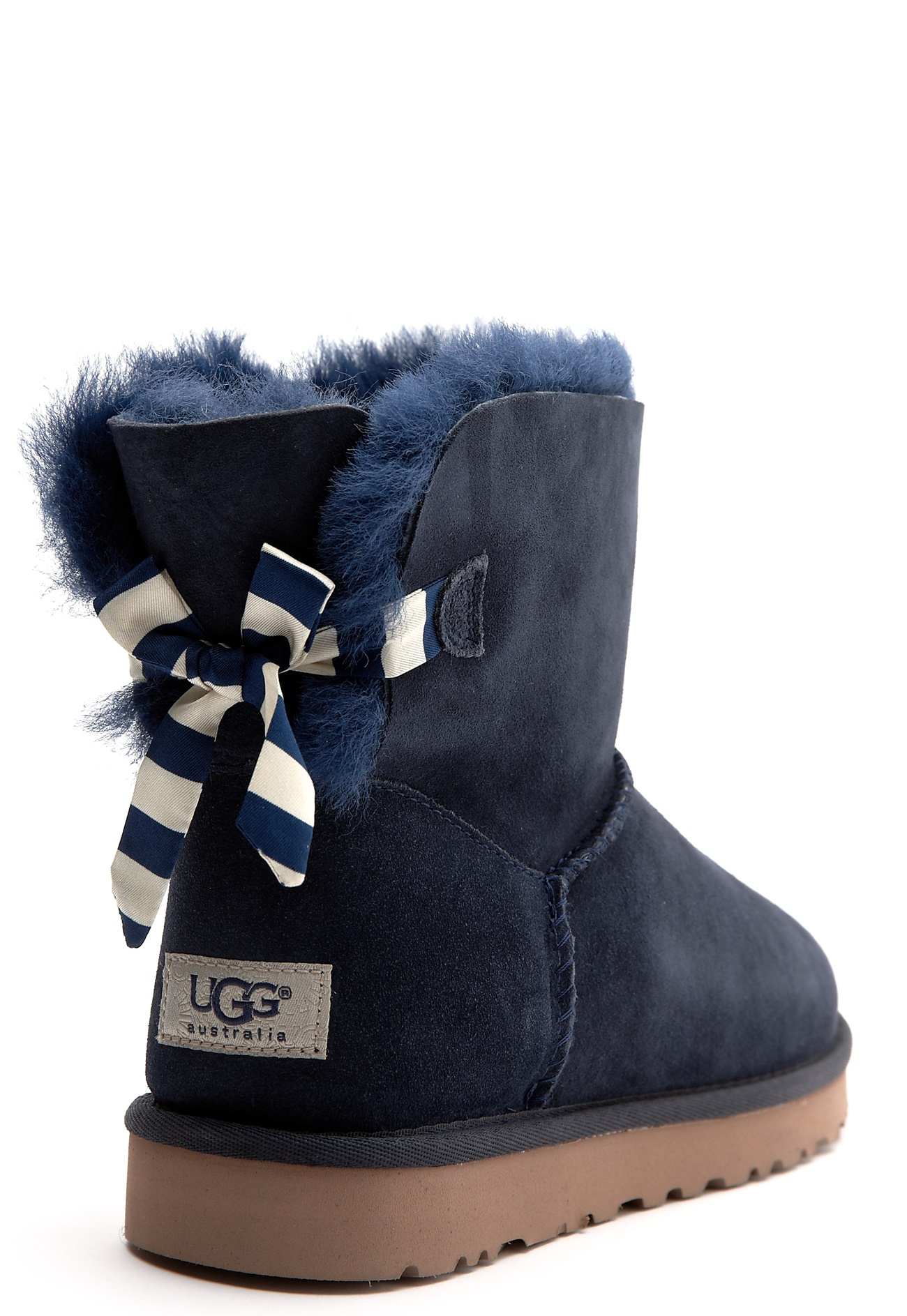 ugg australia mini shearling stiefel mit schleife. Black Bedroom Furniture Sets. Home Design Ideas