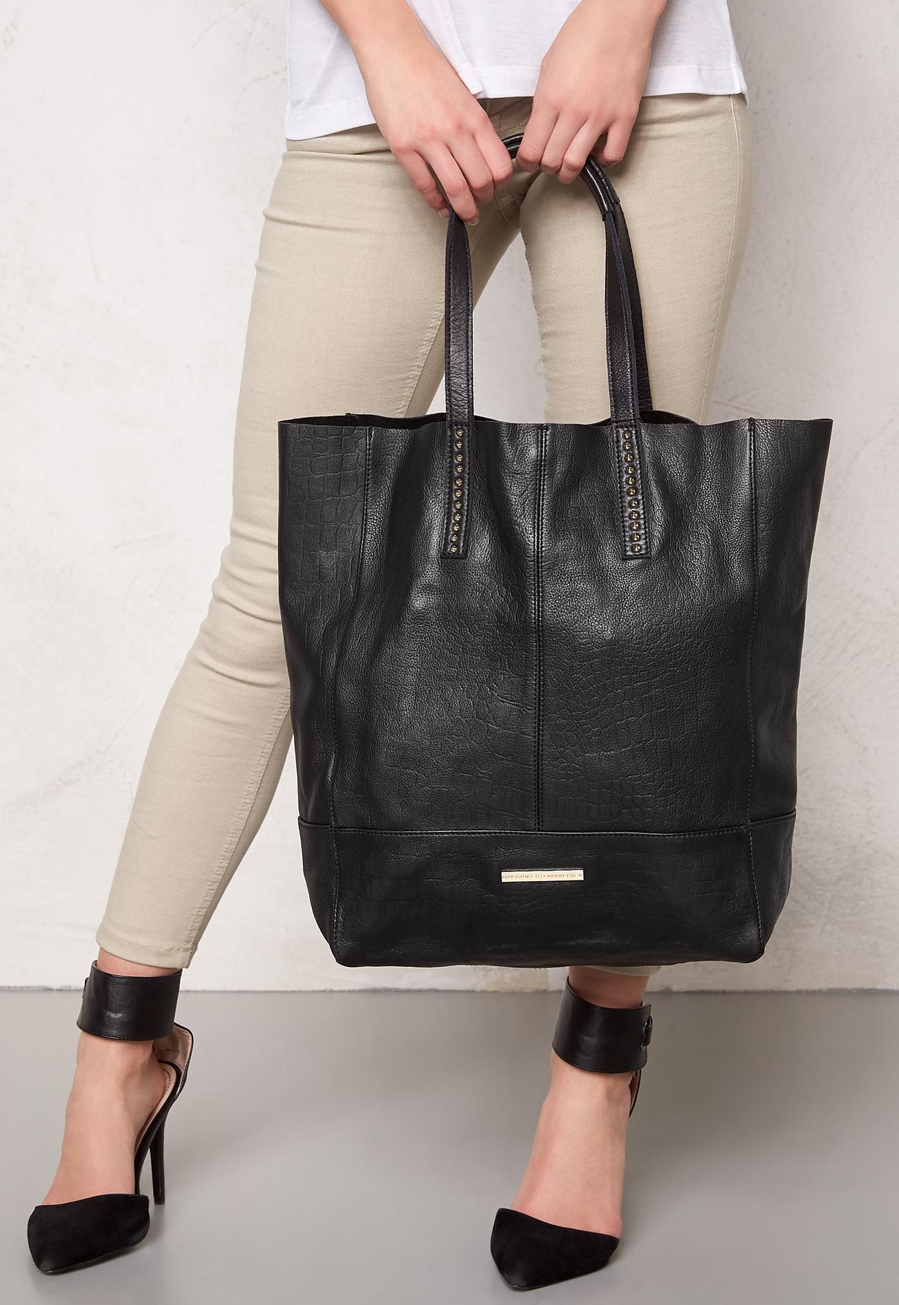 day birger et mikkelsen day simple leather bag black. Black Bedroom Furniture Sets. Home Design Ideas