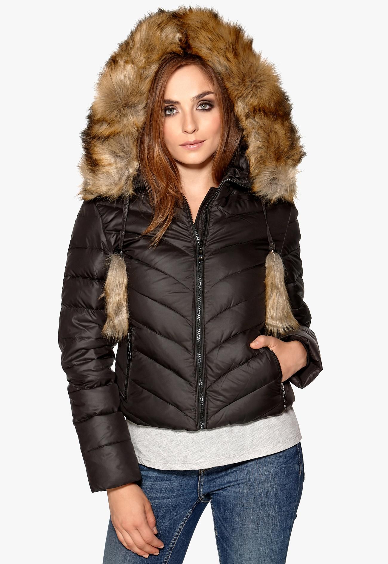 Hollies Aspen Short Down Jacket Black - Bubbleroom