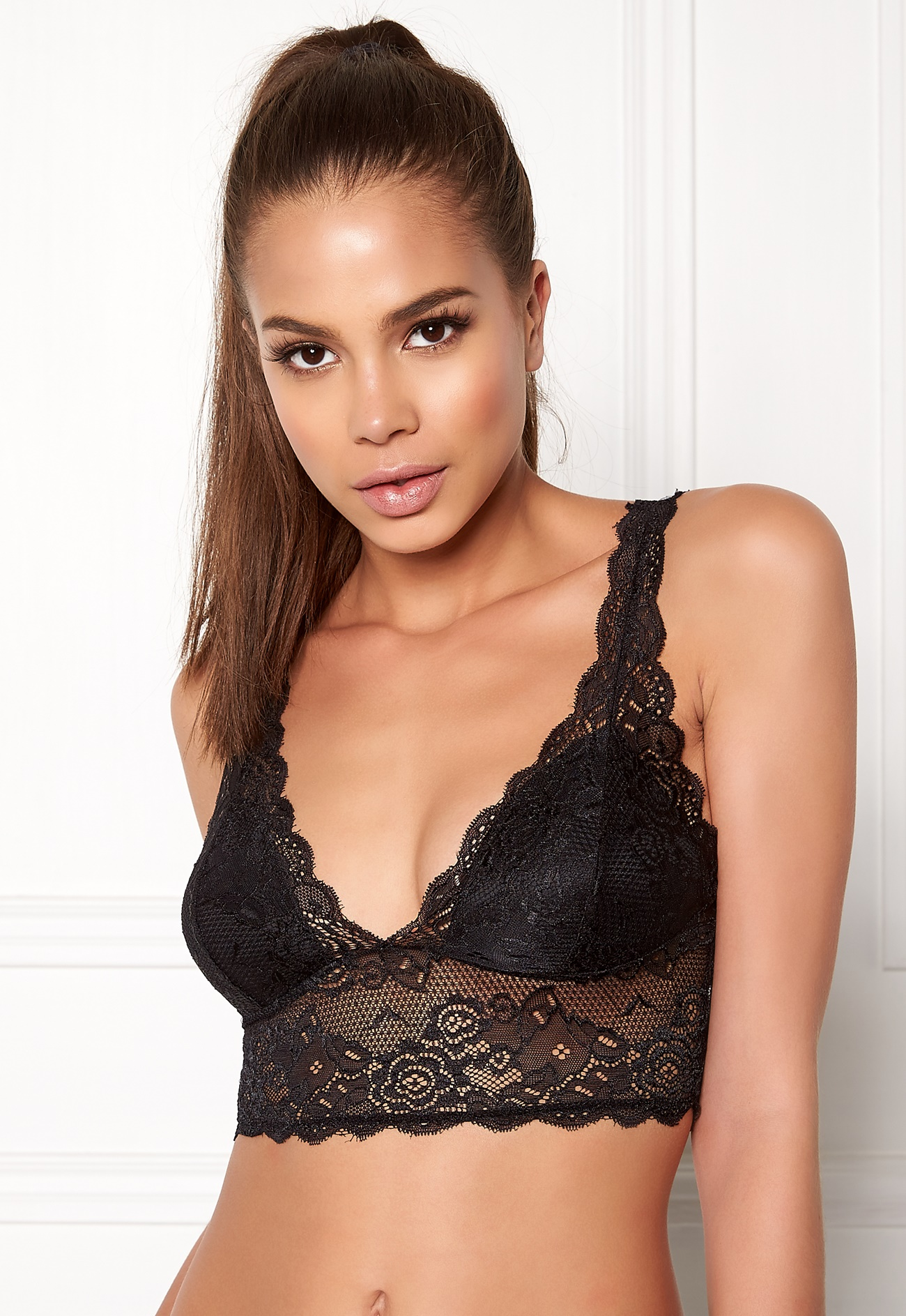 Our Push-Up Strapless Bra does it all with 5-ways to wear for maximum versatility. It has a snug fit that remains in place while providing dramatic lift and sexy cleavage.