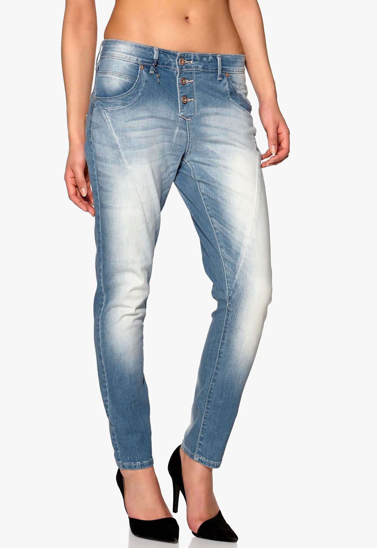 only lizzy antifit jeans light blue denim bubbleroom. Black Bedroom Furniture Sets. Home Design Ideas