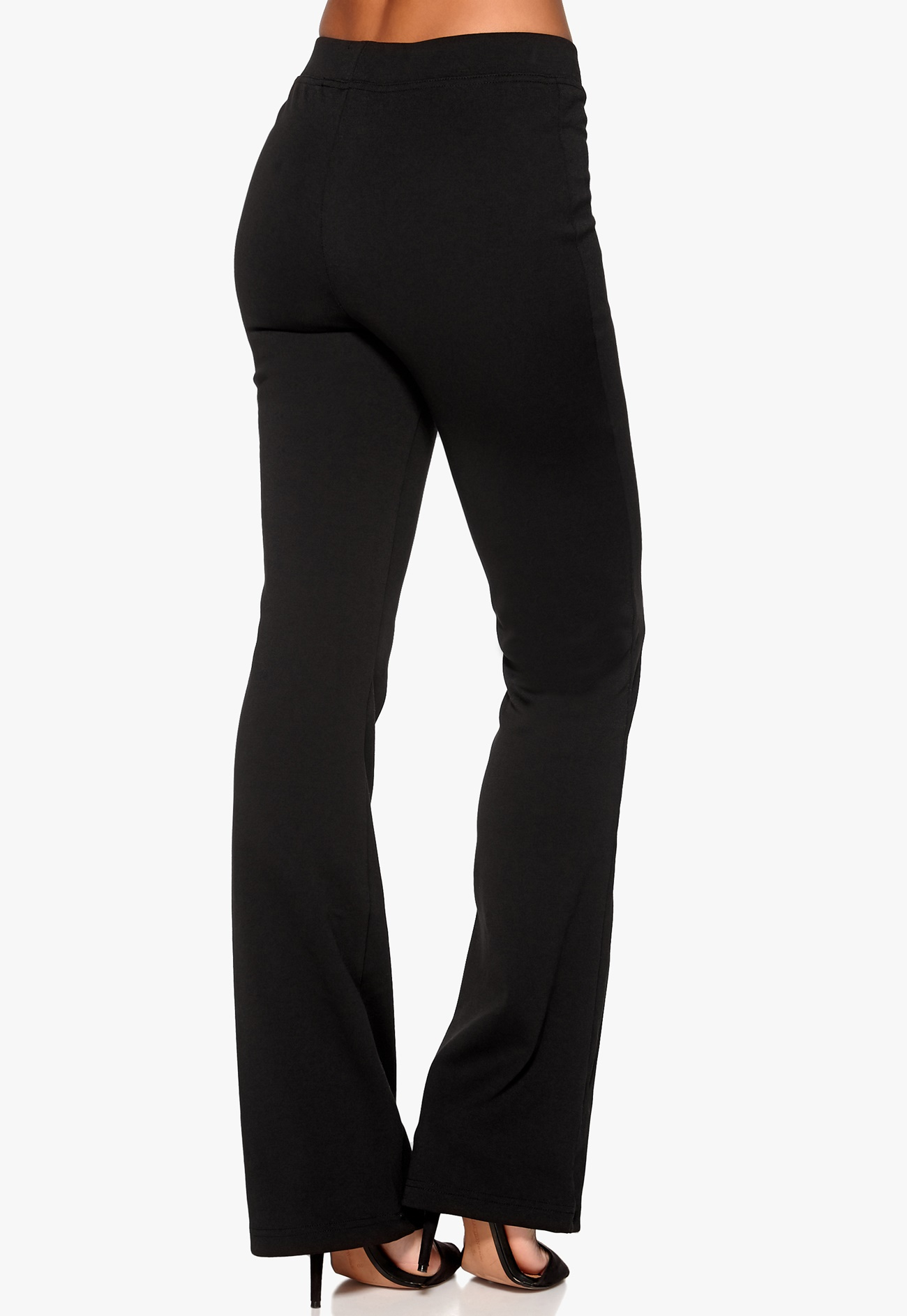 A fabulous fit in our breakthrough 4-way stretch fabric, this flattering bootcut relaxed legging is the perfect coordinate for chic long sweaters and tunics.