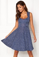 White / Blue / Dotted