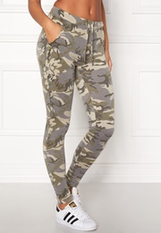 Chiara Forthi Camo Pocket Legging