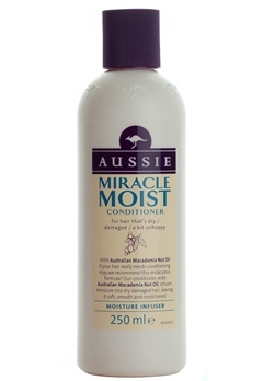 Aussie Aussie Miracle Moist Conditioner (250ml)  Bubbleroom.se