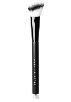 Make Up Store Make Up Store Brush - Blush Angle 501  Bubbleroom.se