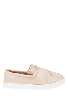 Truffle Slip On Sneakers, Rania Ljust beige Bubbleroom.se