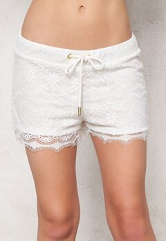 2nd One Sia 070 Shorts White Scallop Bubbleroom.se