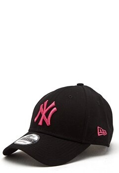 New Era 940 League Basic Black/Pink Bubbleroom.se