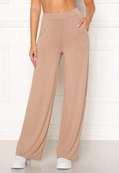 77thFLEA Alanya trousers Light nougat Bubbleroom.se