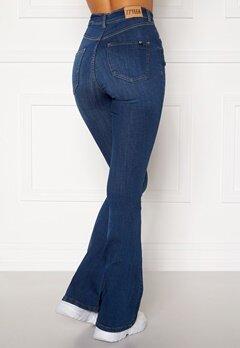77thFLEA Tove high waist flared superstretch Medium blue Bubbleroom.se