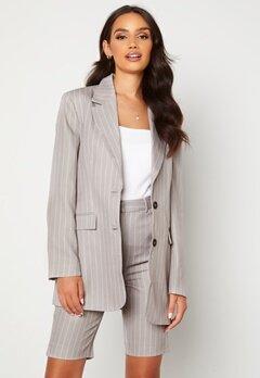 Alexandra Nilsson X Bubbleroom Pinstripe Shorts Grey / Striped Bubbleroom.se