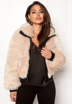 AMO Couture Amalfi Faux Fur Short Coat Soft Beige Bubbleroom.se
