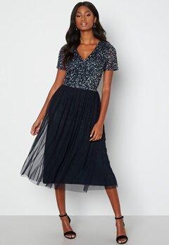 AngelEye Short Sleeve Sequin Embellished Midi Dress Navy bubbleroom.se