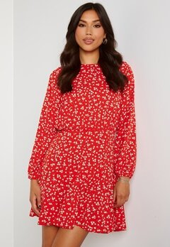 AX Paris Ditsy Print Pleat Dress Red Bubbleroom.se