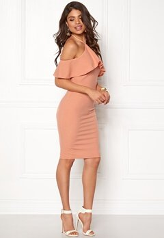 AX Paris Tie Neck Frill Midi Dress Nude Bubbleroom.se