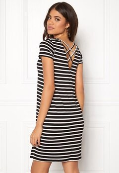 ONLY Bera Back Lace S/S Dress Black Stripes Bubbleroom.se