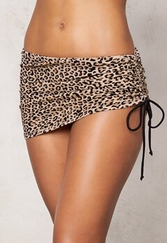BEACHWAVE Bikinitrosa/kjol Titti Leopard Bubbleroom.se