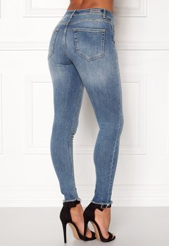 ONLY Blush Mid Raw Jeans Light Blue Denim Bubbleroom.se
