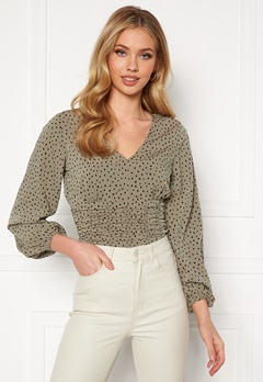 BUBBLEROOM Adelia ruched blouse Dusty green / Black / Dotted Bubbleroom.se