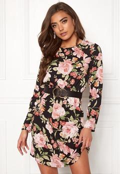 35a064737032 Billiga blommiga & mönstrade klänningar online | REA | Bubbleroom